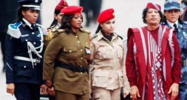 مقتل ضابطة من حارسات القذافي برصاصة طائشة أمس